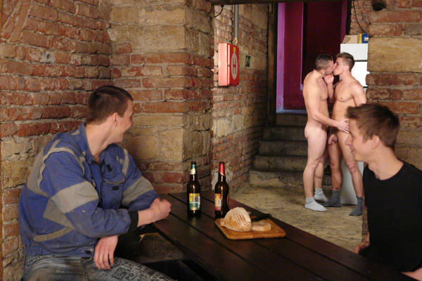 exhibes-heteros-gay