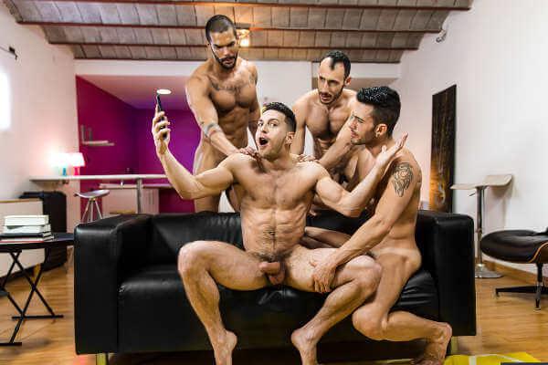 gay touzeurs