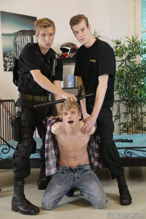 minet abusé par policiers gays