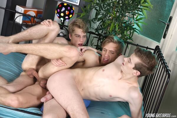 trio gay bareback
